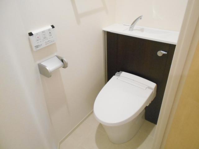 ラガール 103号室のトイレ