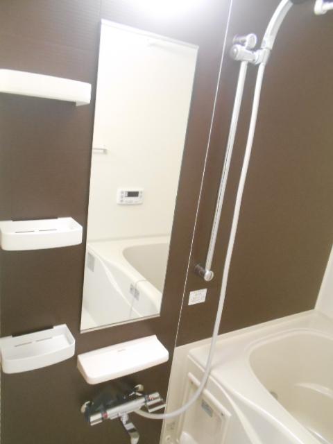 ラガール 103号室の風呂