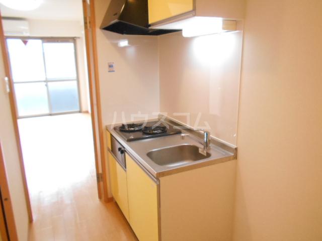 フラッティ今出川天神 303号室のキッチン