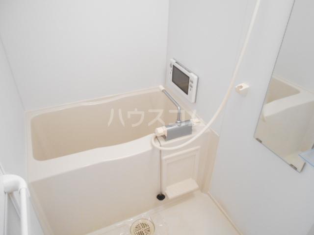 フラッティ今出川天神 303号室の風呂