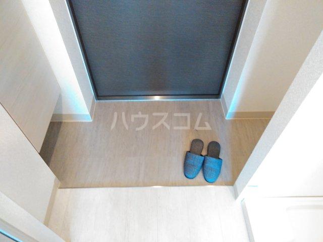 キャンパスヴィレッジ京都西京極 516号室の玄関