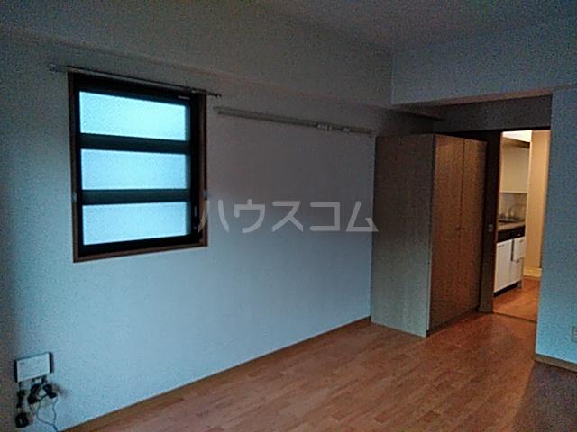 アンシャーレ西ノ京 302号室の居室