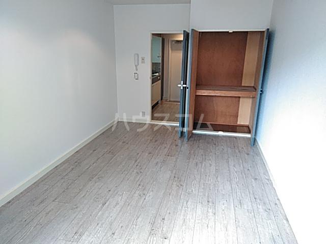 エクセレント丸太町 306号室のベッドルーム