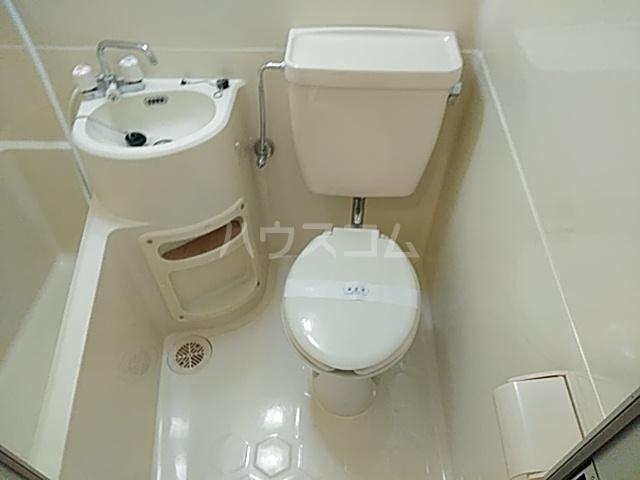 エクセレント丸太町 307号室のトイレ