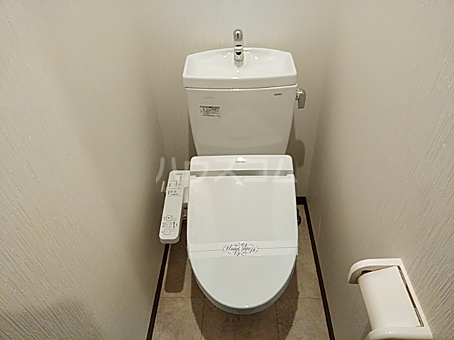 フラッティ丸太町御前 112号室のトイレ