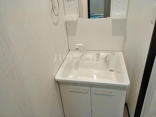 フラッティ丸太町御前 112号室の洗面所