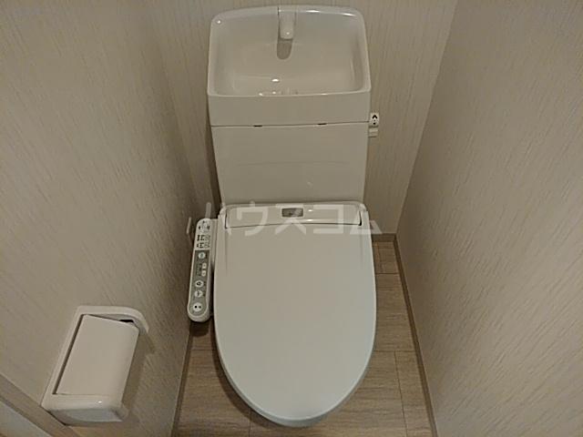 チェーズ高辻葛野西 505号室のトイレ