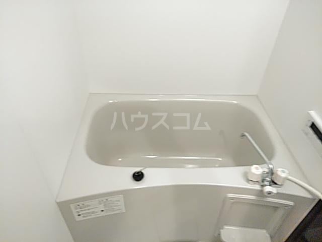 エスカーサ京都四条梅津 205号室の風呂