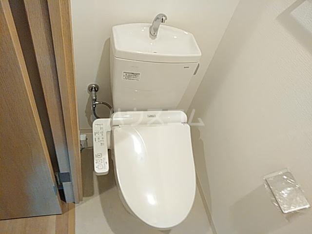 エスカーサ京都四条梅津 205号室のトイレ