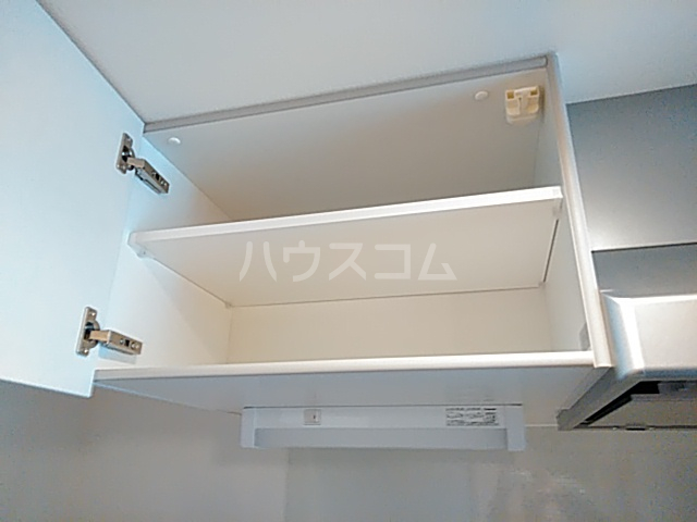 エスカーサ京都四条梅津 505号室の収納
