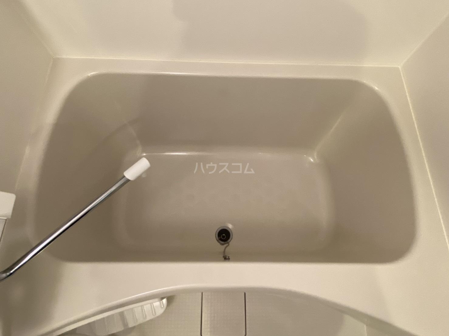 フラッティ毘沙門町 301号室の風呂