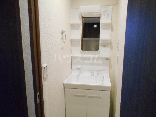 アークリード太秦 108号室の洗面所