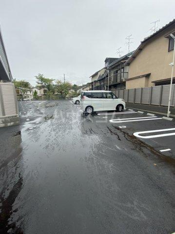扇山(SENZAN) 203号室の駐車場