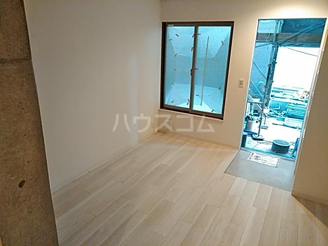 グレース西ノ京 102号室の居室