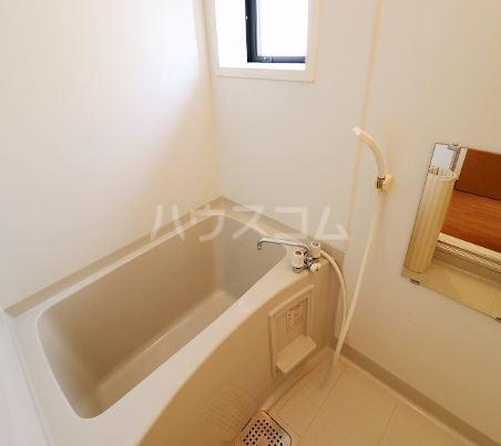 オアシス  202号室の風呂