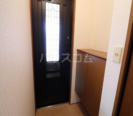 オアシス  202号室の玄関