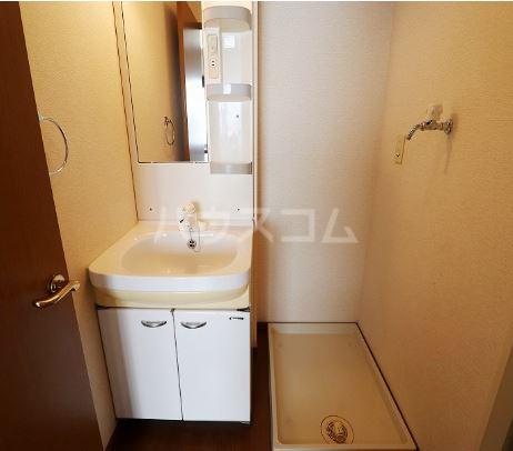 オアシス  202号室の洗面所