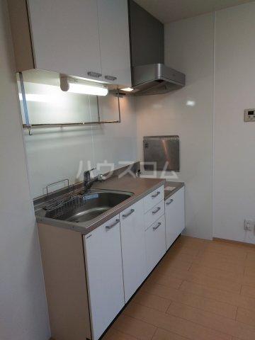 ル・シエル北谷 201号室のキッチン
