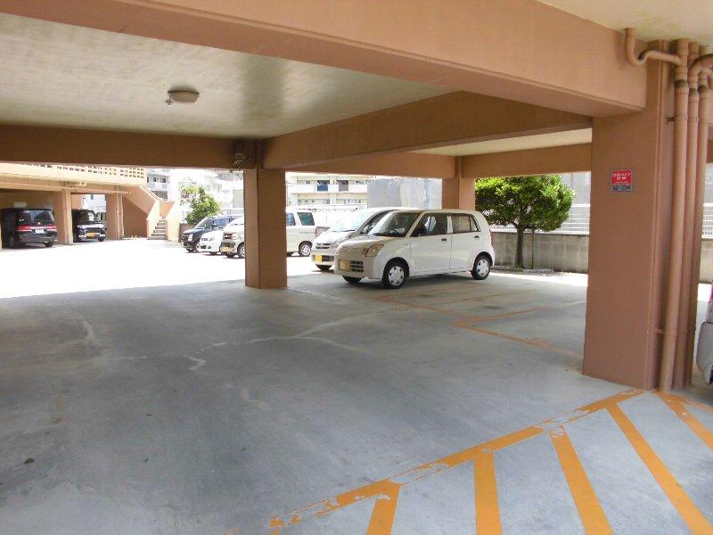 リバービュー赤畑A棟 416号室の駐車場