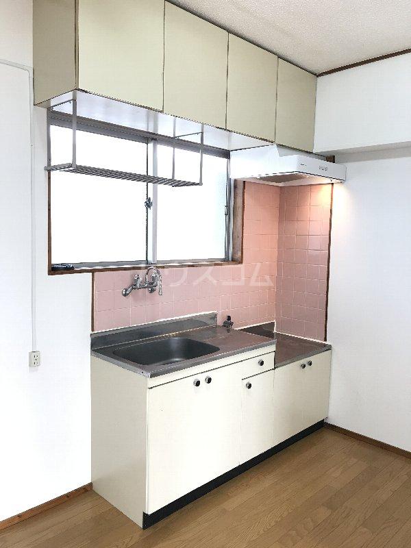 神里アパート 401号室のキッチン