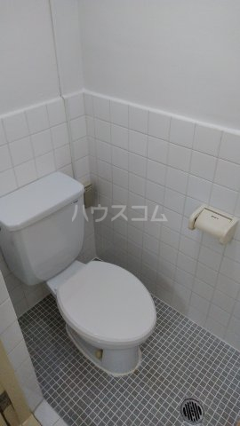 波之上産業天久マンション A706号室のトイレ