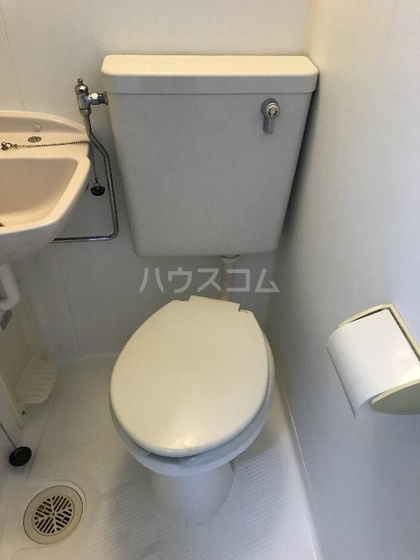 スカイマンション金城 302号室のトイレ