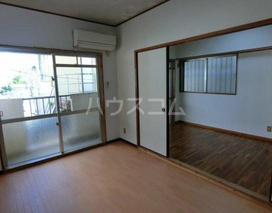 丸一アパート 201号室の居室