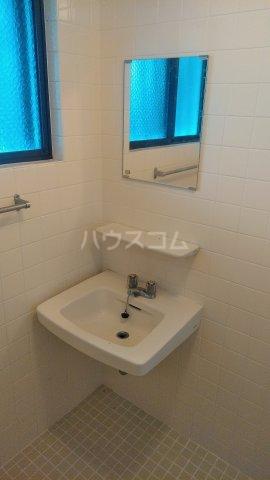 メルベーユ仲村 302号室の洗面所