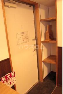 Villa IRIS 401号室の玄関