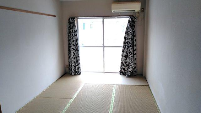 守山アートハイツ 3E号室のリビング