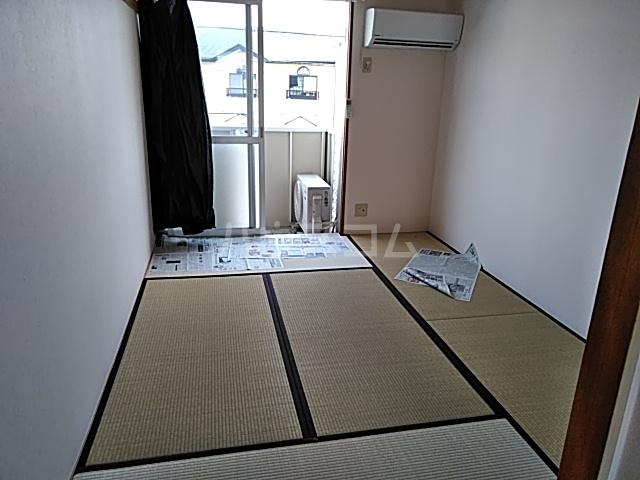 エントピアKT 102号室のベッドルーム