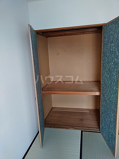 エントピアKT 102号室の収納