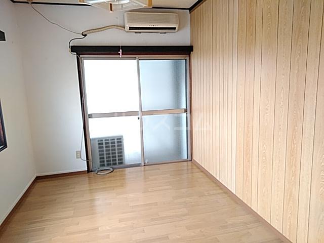 白菊荘 10号室のリビング