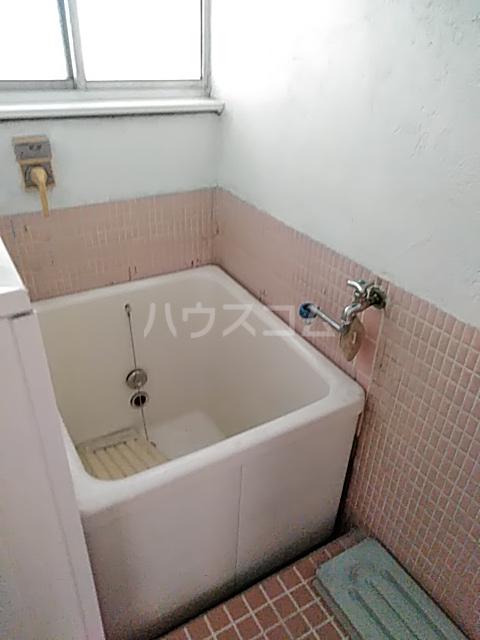 白菊荘 10号室の風呂