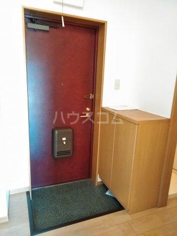 ニューリバーⅠ 2A号室の玄関