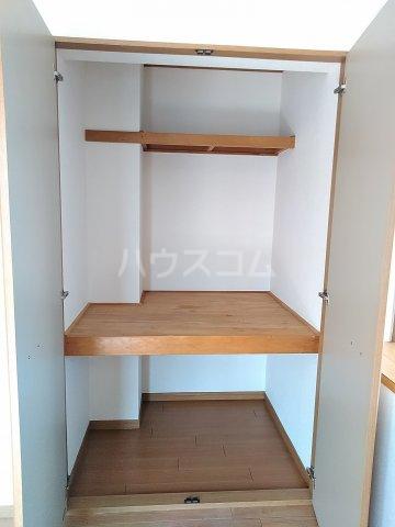 ニューリバーⅠ 2A号室の収納