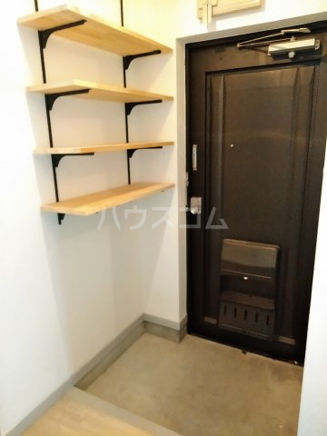 μ's Vintage 406号室の玄関