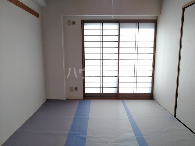 シンビリア花咲 304号室の居室