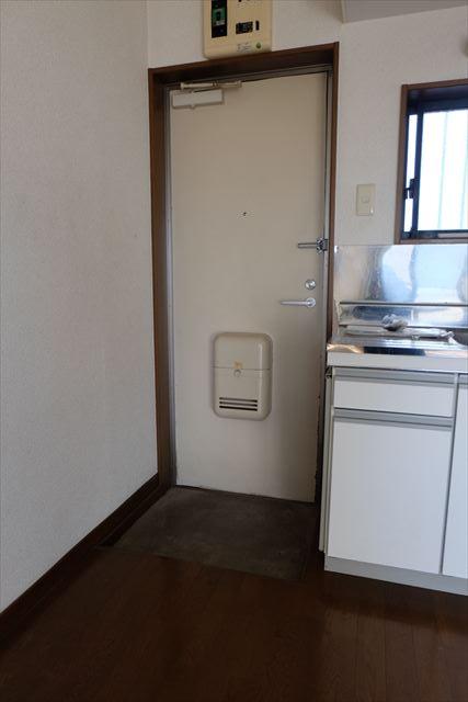 アネックスⅢ 105号室の玄関