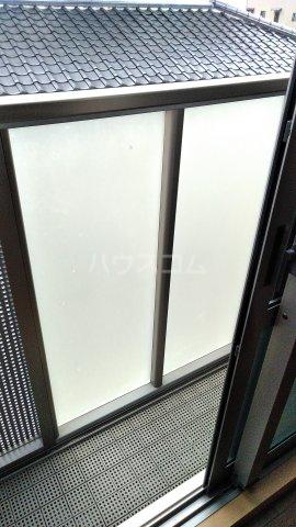 シャルマンドミール駅東 201号室のバルコニー