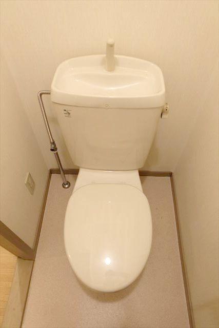 サンガーデンカムアンドエム A棟 202号室のトイレ