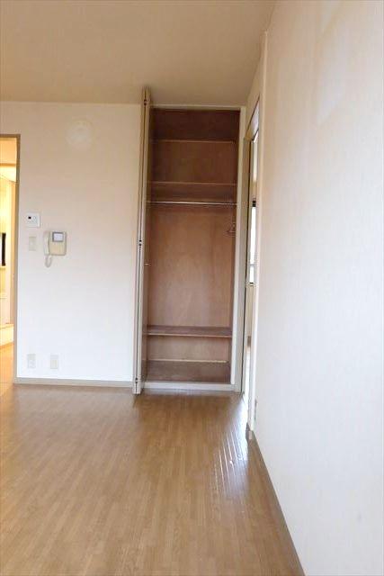 サンガーデンカムアンドエム A棟 202号室の収納