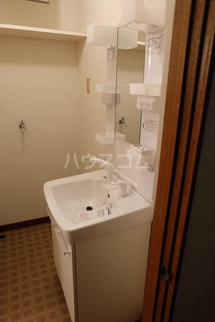 レジデンス暁 102号室の洗面所