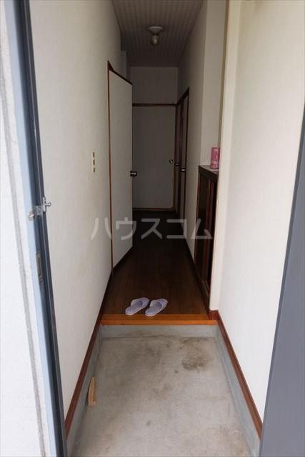 レジデンス暁 102号室の玄関