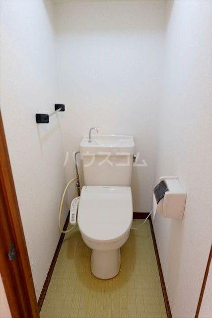 レジデンス暁 102号室のトイレ