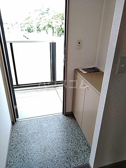 ウッディベル 202号室の玄関