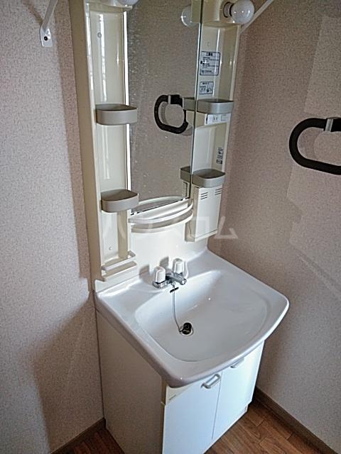 ウッディベル 202号室の洗面所