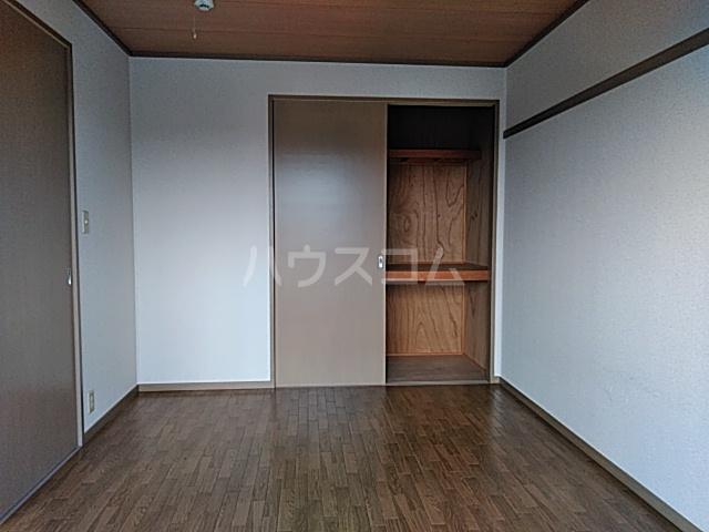 ウッディベル 202号室のベッドルーム