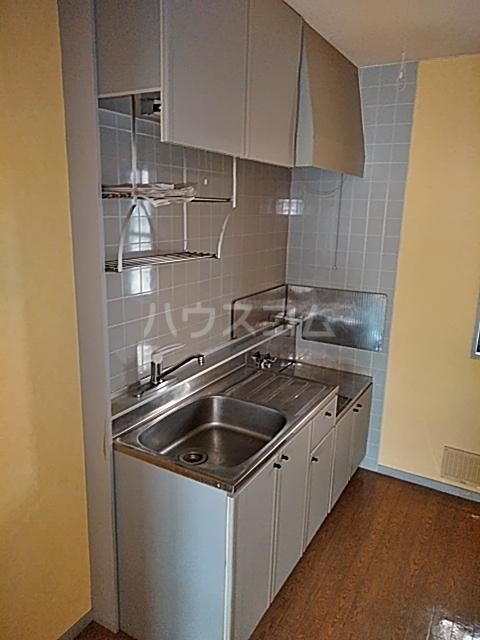 サンリヴェール B棟 102号室のキッチン