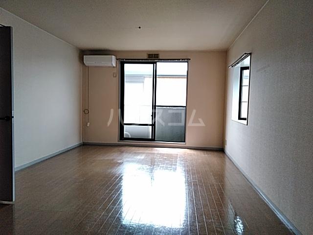 サンリヴェール B棟 102号室の